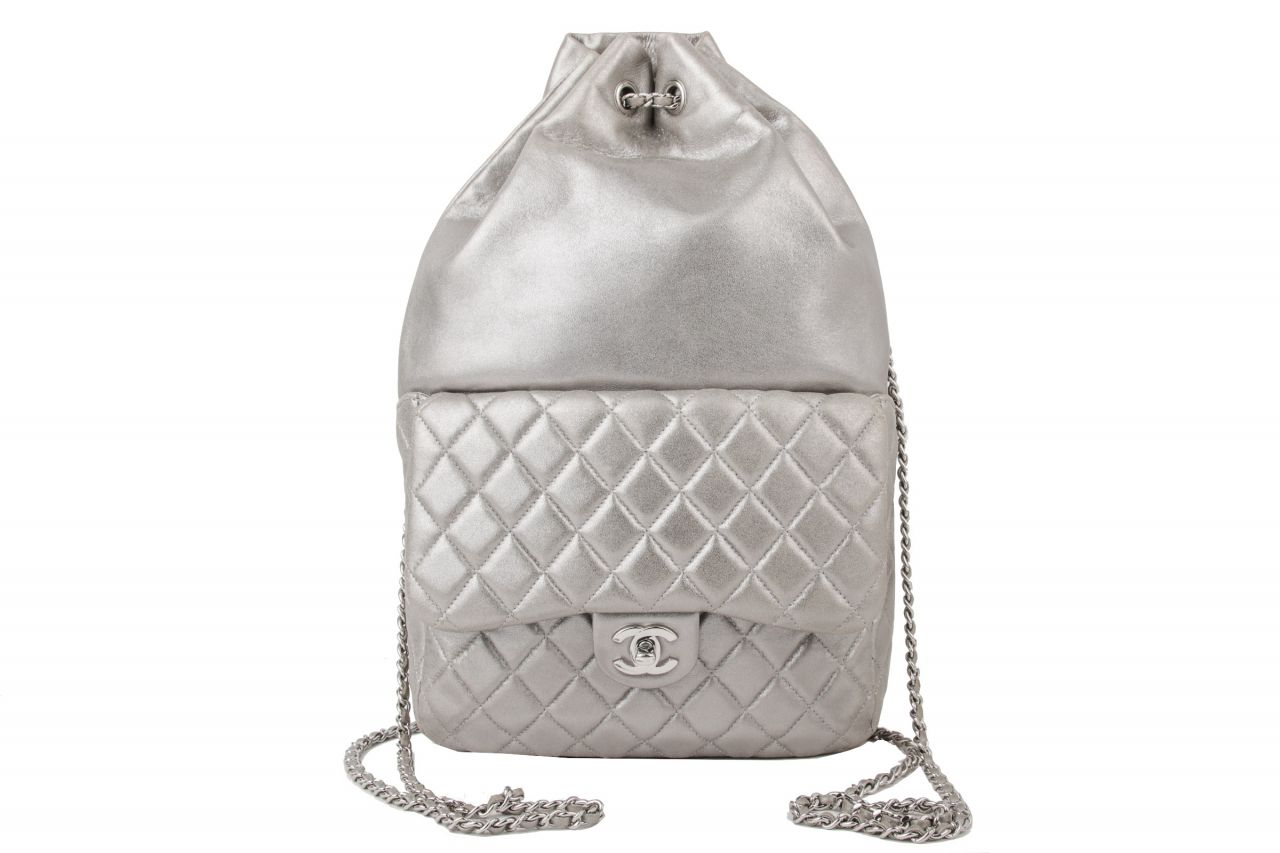 Chanel Bag Pack Silber