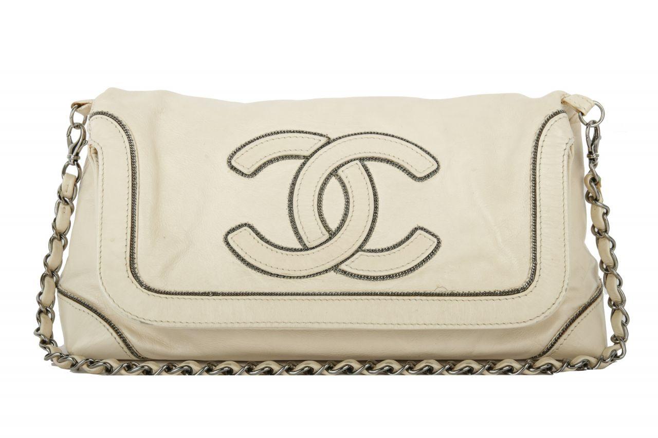 Chanel Shoulder Bag weiß