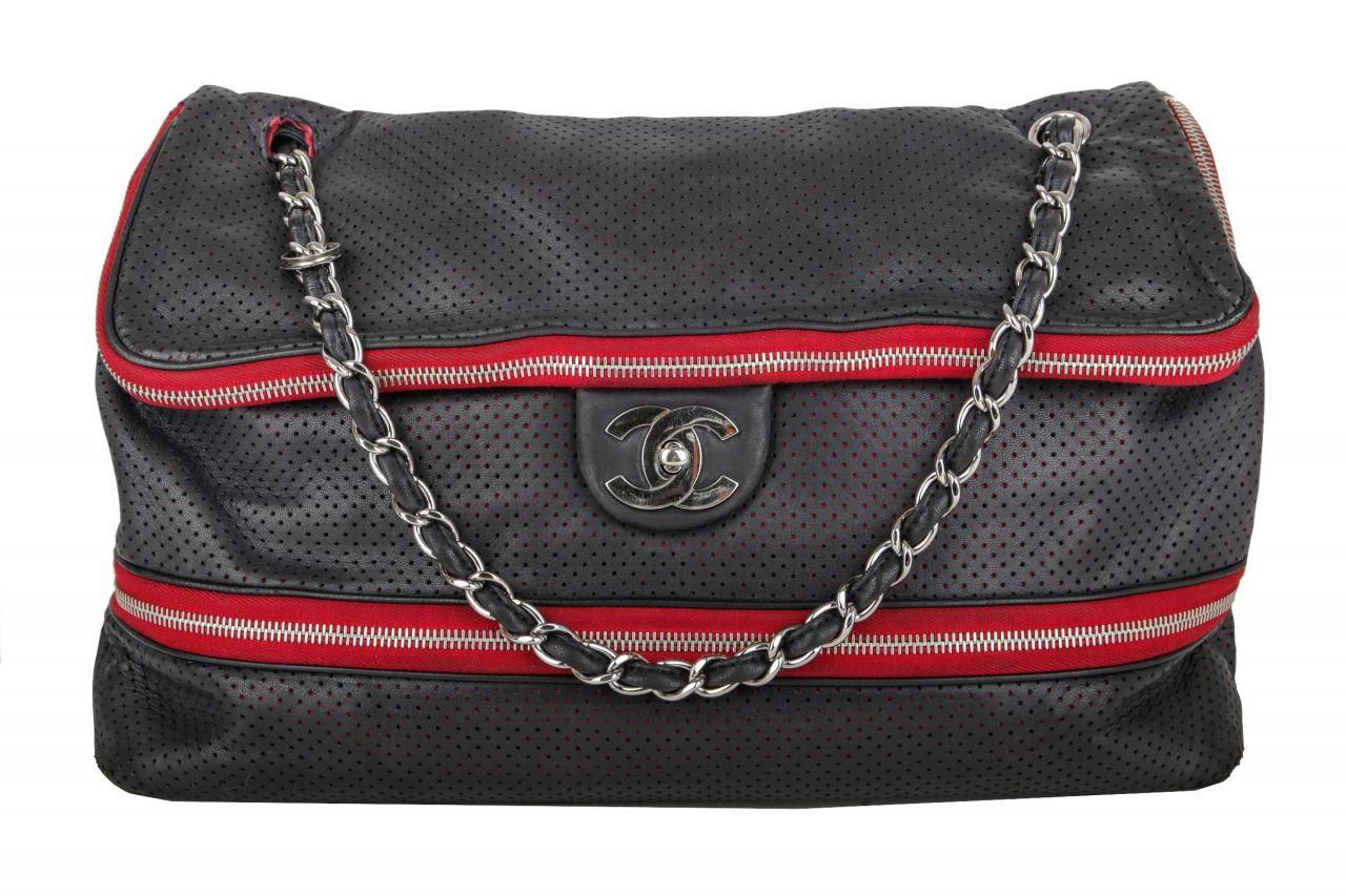 Chanel Easy Flap Bag Schwarz