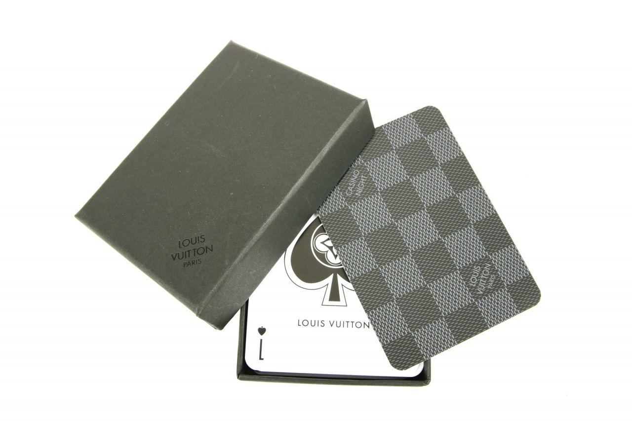 Louis Vuitton Kartenspiel Damier Look und Casino Chip