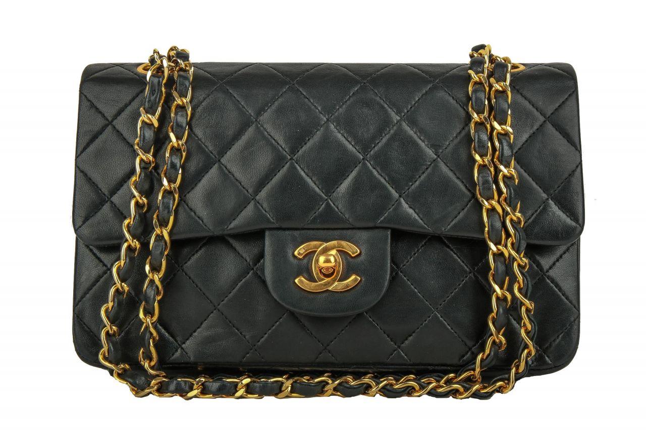 d8d20dbd0d03d Chanel Timeless Classic Flap Small Schwarz