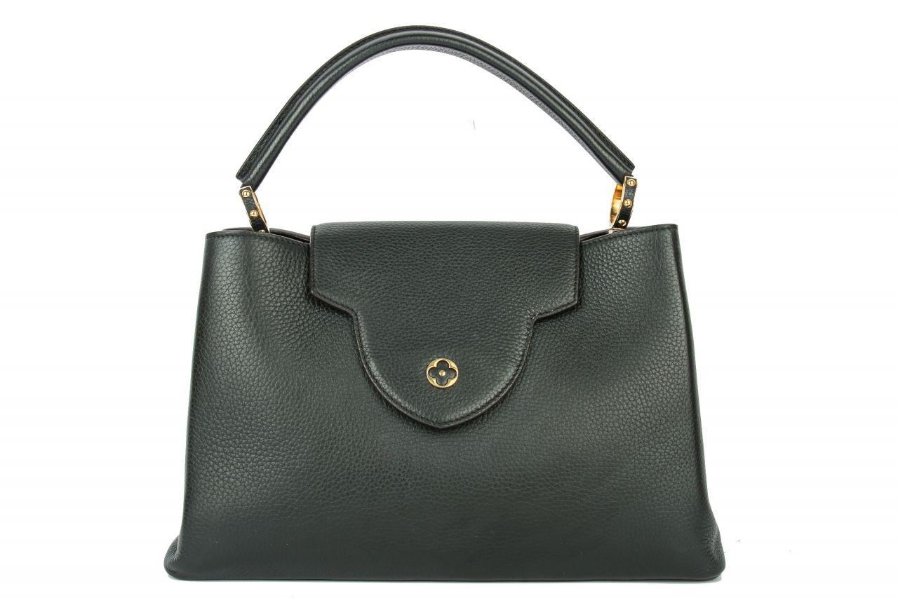Louis Vuitton Capucines MM Taurillon Leder in schwarz