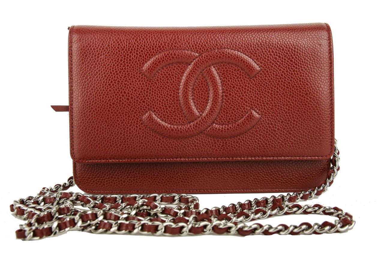 Chanel Wallet on Chain Rot