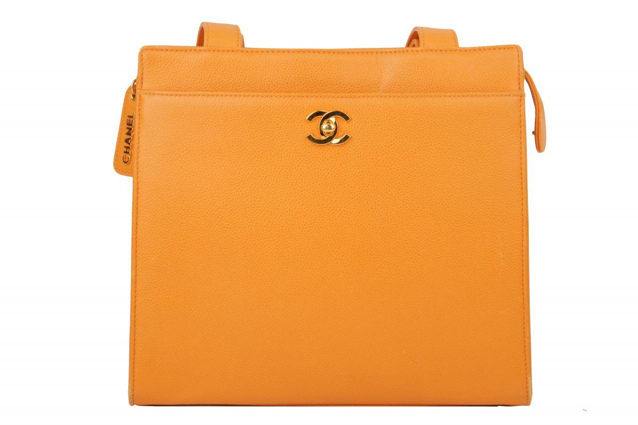 Chanel Schultertasche Orange