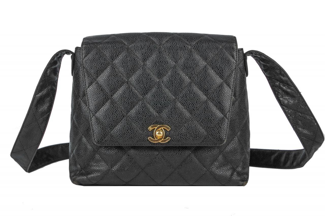 Chanel Shoulder Bag Schwarz