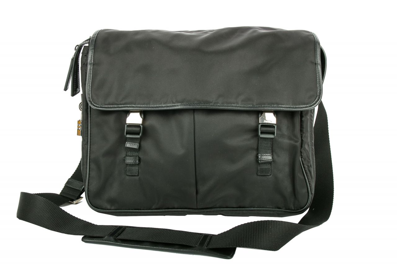 Prada Nylon Messenger Bag Schwarz