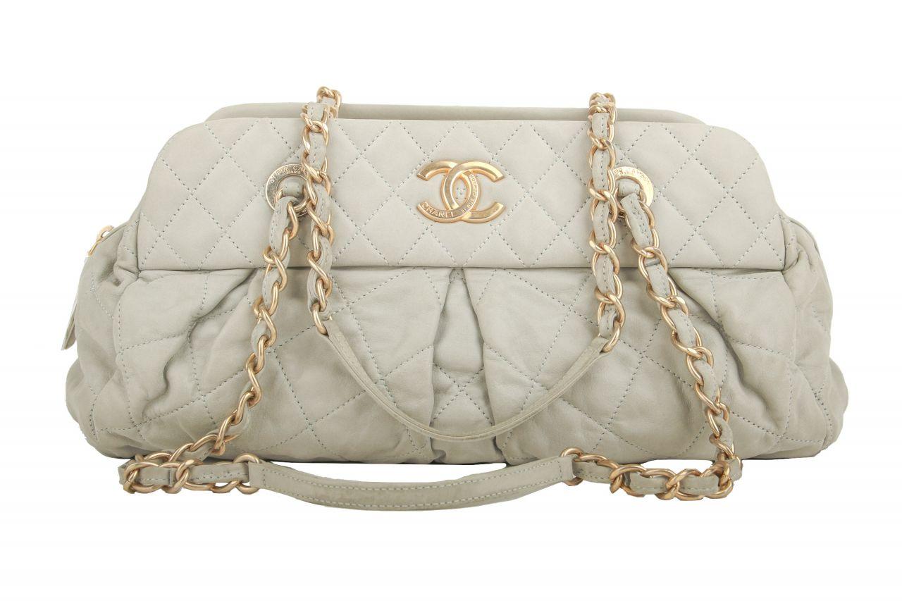 Chanel Vintage Schultertasche Grau
