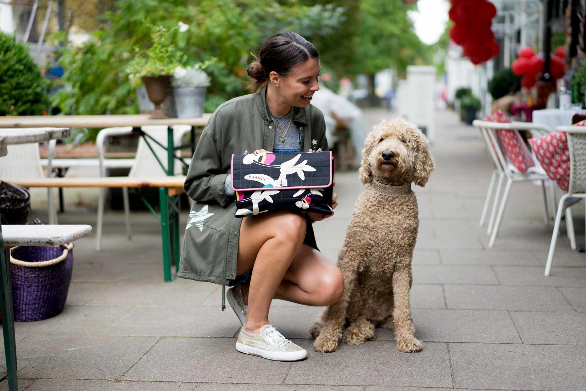 toller-hund-chanel-handtasche5818a0c118448