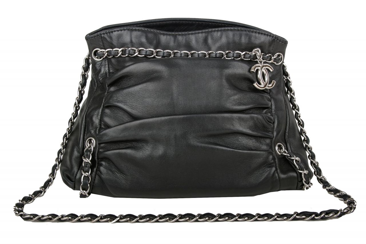 Chanel Shoulder Bag Schwarz