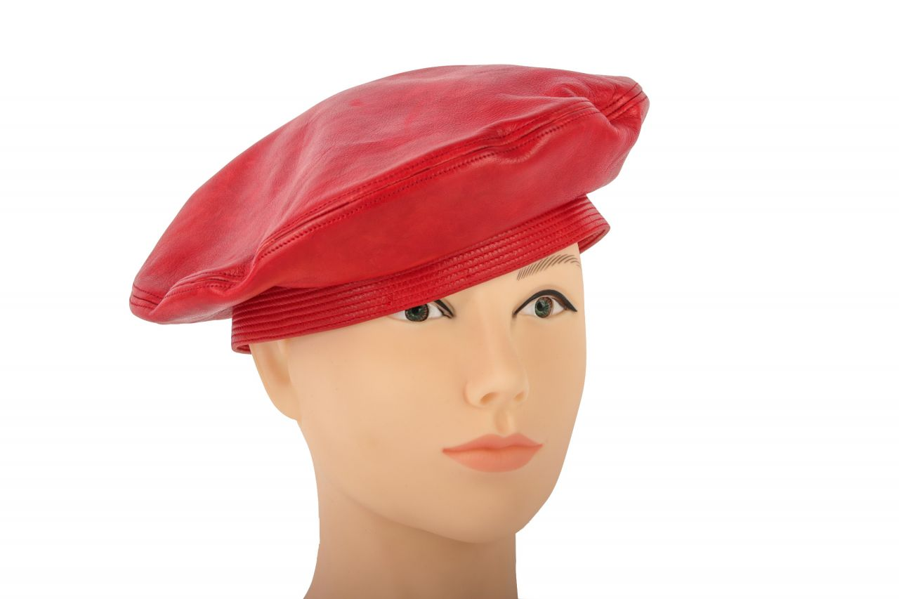 Chanel Barett aus Leder in rot