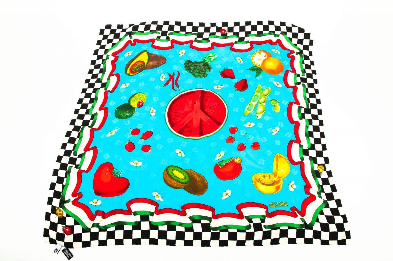 Moschino Seidentuch Multicolor mit Fruchtprint und Karomuster