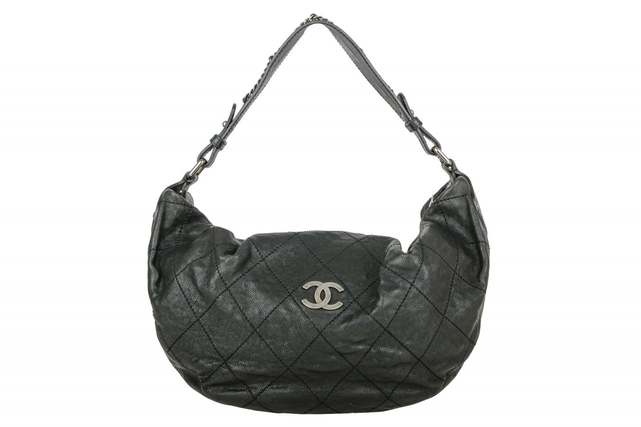 Chanel Schultertasche Schwarz