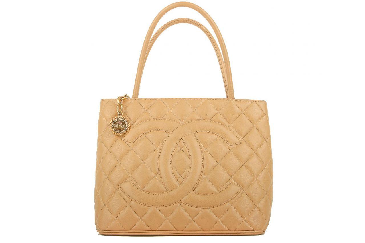 Chanel Medaillon Tasche Beige