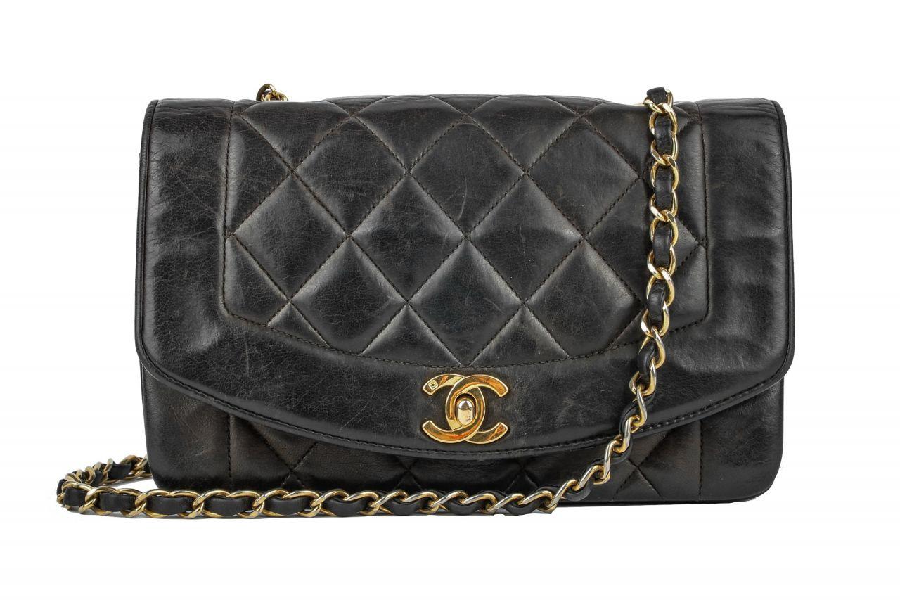 Chanel Diana Flap Bag Schwarz