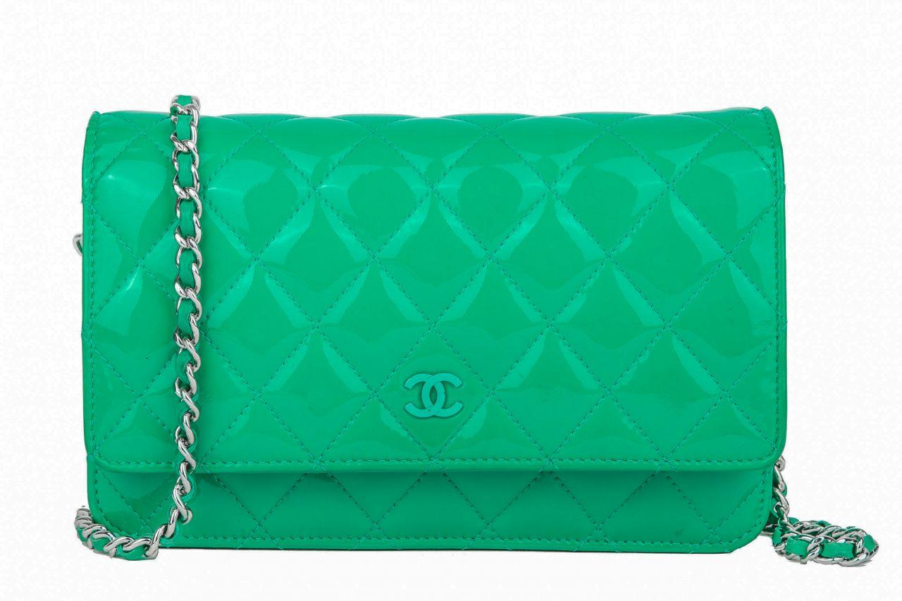 Chanel Wallet on Chain Lackleder Grün