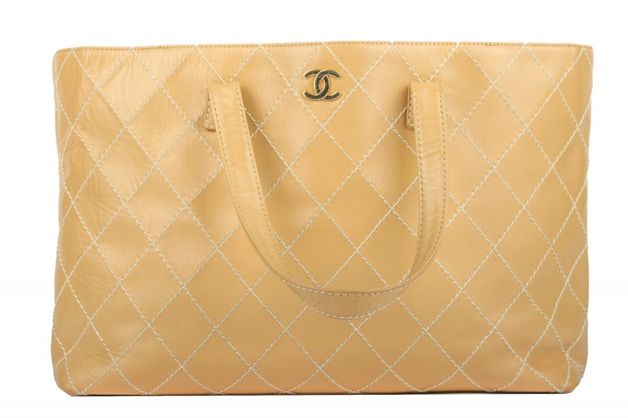 Chanel Surpique Leder Tote Beige