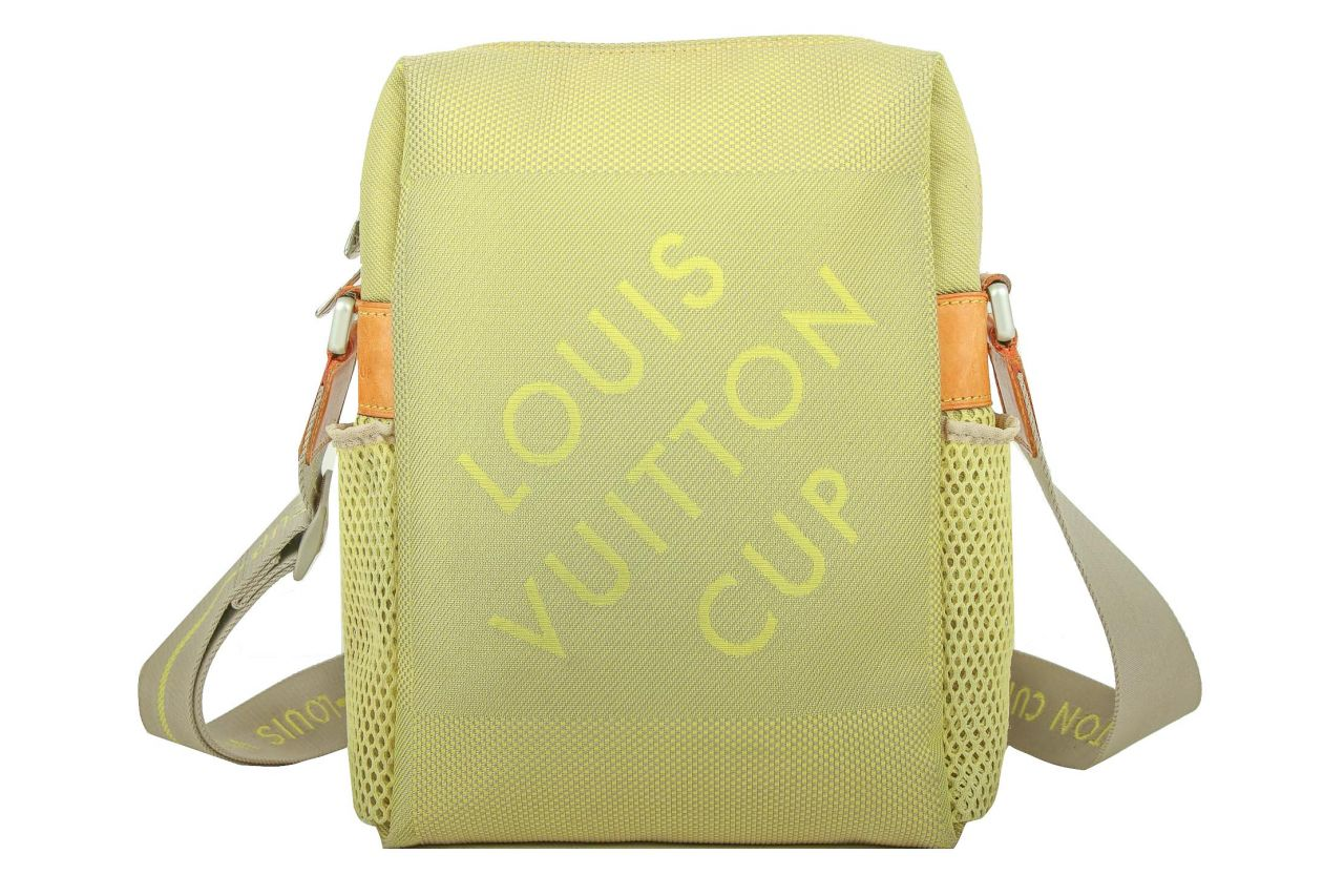 Louis Vuitton Cup Weatherly Bag 2003 Auckland