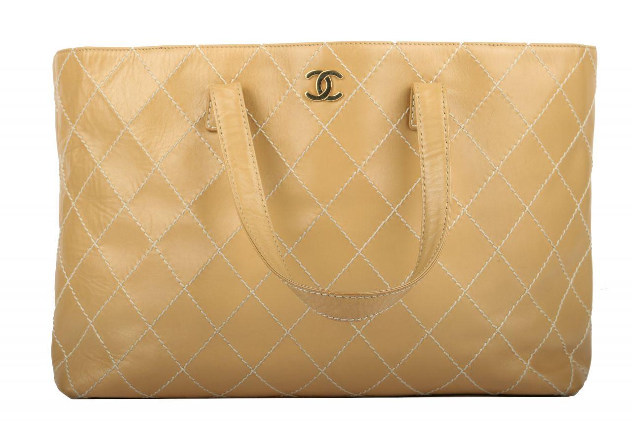 Chanel Surpique Leder Tote Beige