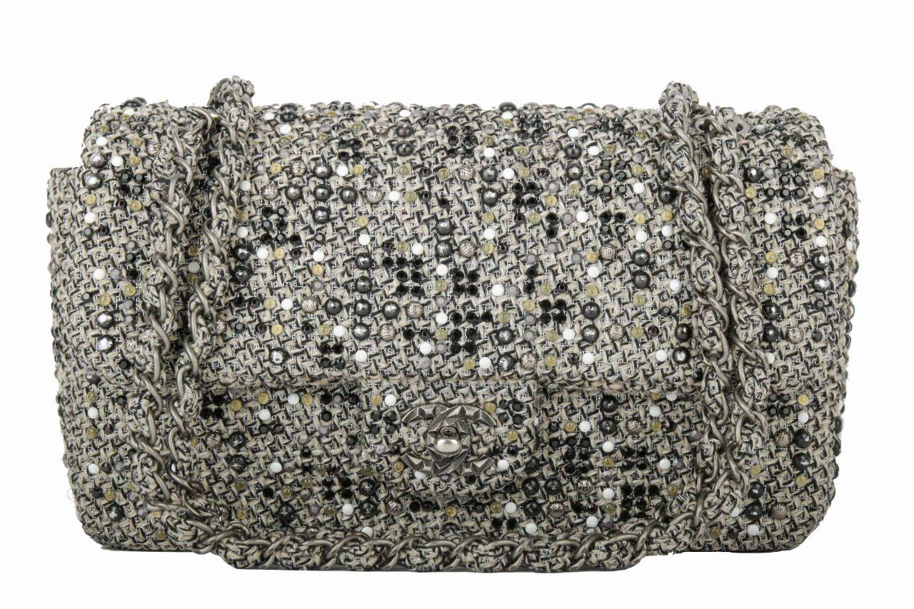 Chanel Flap Bag Beige Schwarz mit Strasssteinen