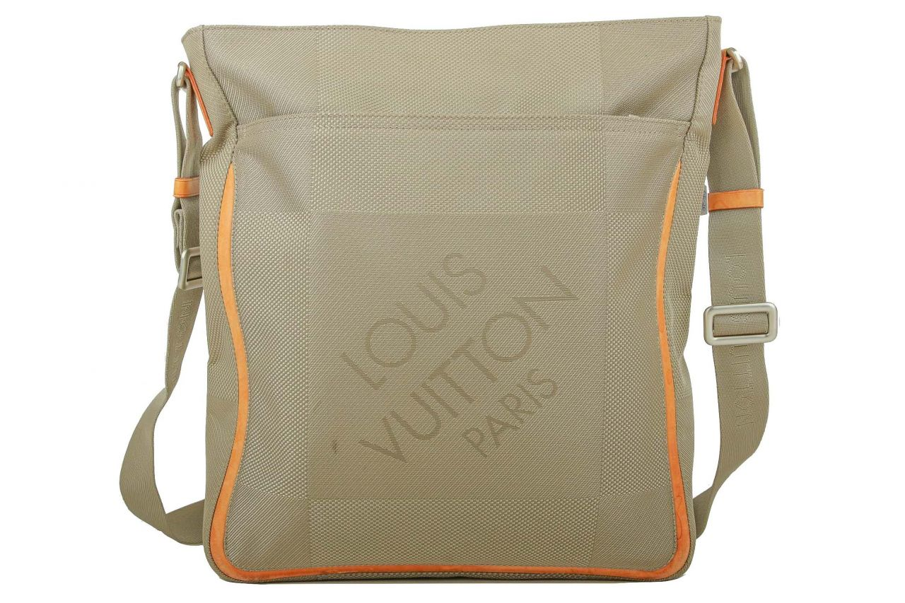 Louis Vuitton Damier Geant Messenger Bag Beige