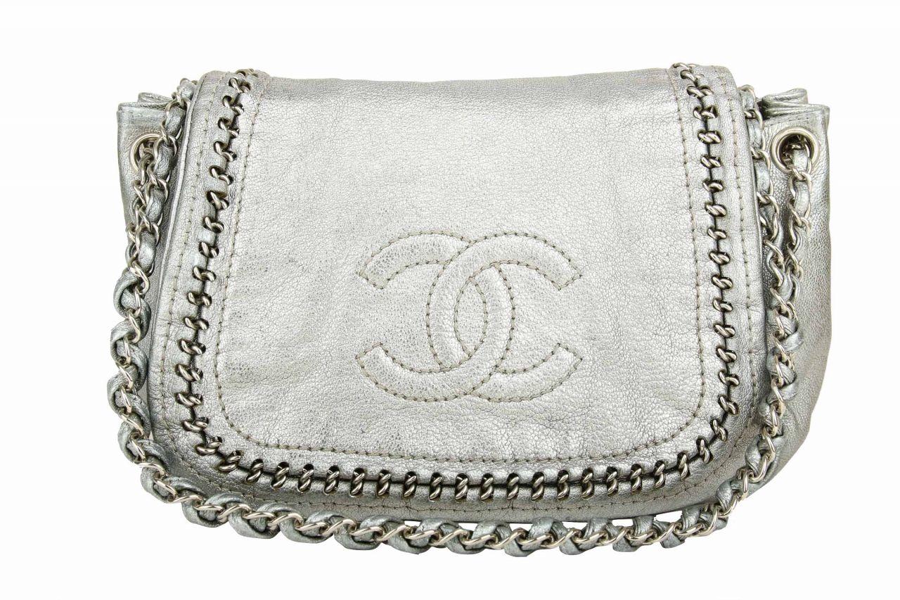 Chanel Schultertasche Silber
