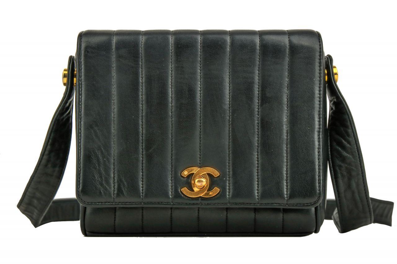 Chanel Shoulder Bag Vintage Black