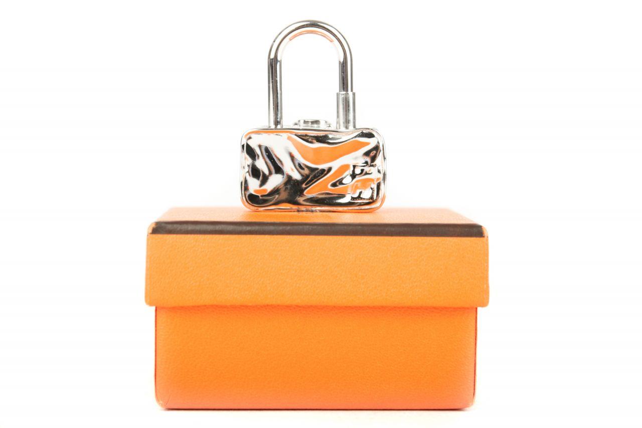 "Hermès Cadena Lock Charm ""Koffer"""